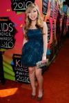 23rd-Annual-Kids-Choice-Awards-2010-jennette-mccurdy-25533160-1712-2560