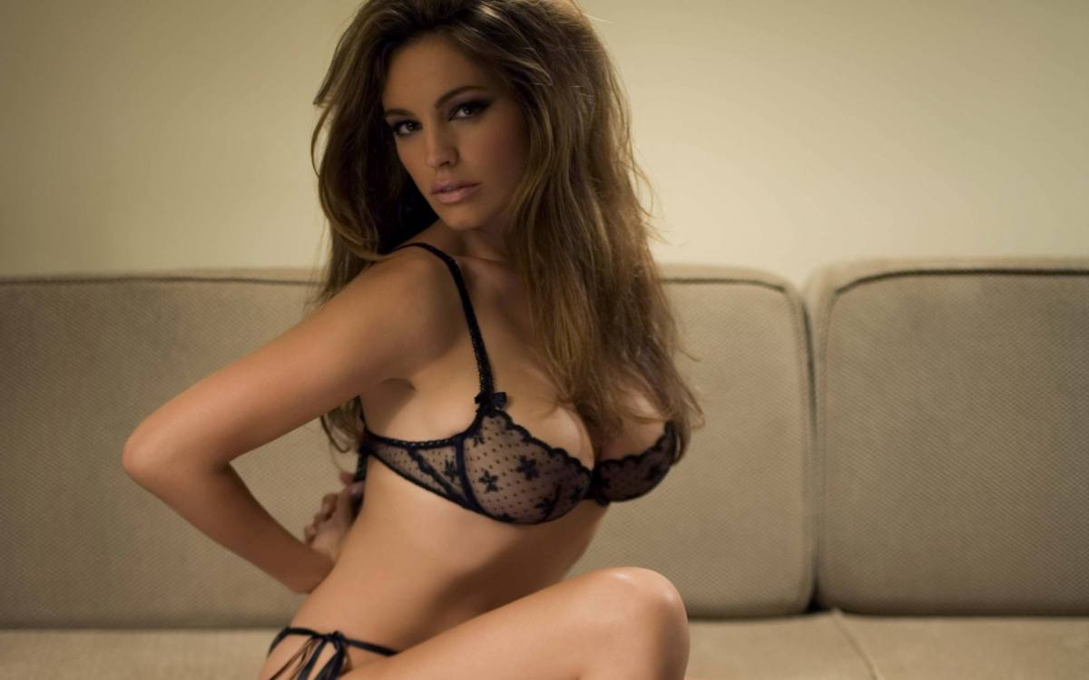 http://seninf.files.wordpress.com/2012/06/kelly_brook_10.jpg?w=1200
